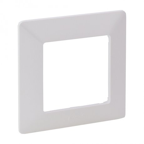CAT. N° 7 540 01 Plate Valena Life - 1 gang - white